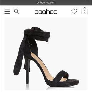 Black wrap strap heel